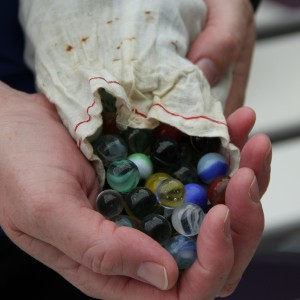 How handy that she had this bag of marbles with her at the workshop.  Always think ahead.