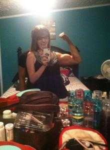 She cheated on that bicep.